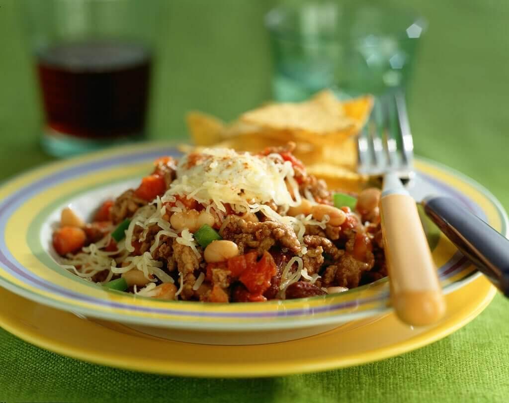 Bonen chili met gehakt en tortillachips