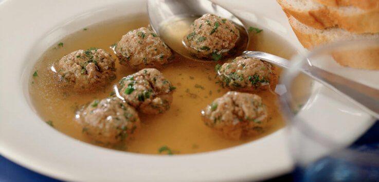 Hollandse groentesoep met gehaktballetjes