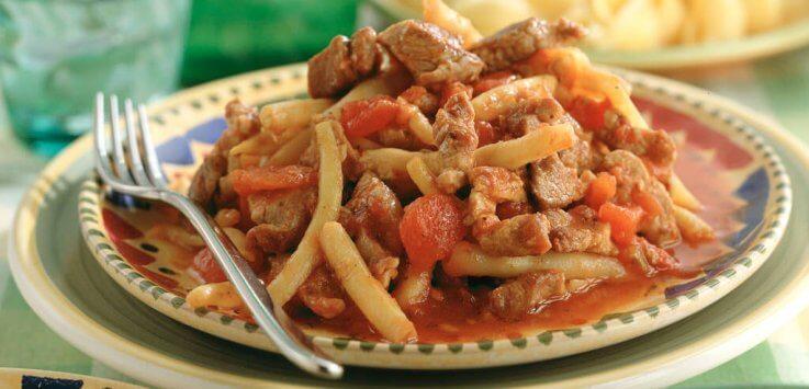 Italiaanse bonenschotel met nasivlees