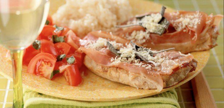 Italiaanse schnitzel met salie en Parmaham