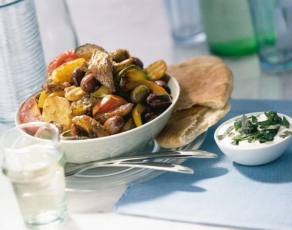 Roerbakschotel met gyrosvlees en Turkse groenten
