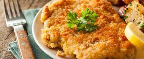 schnitzel-op-een-bord