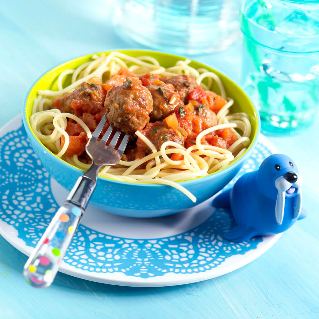 Spaghetti met balletjes en romige tomatensaus