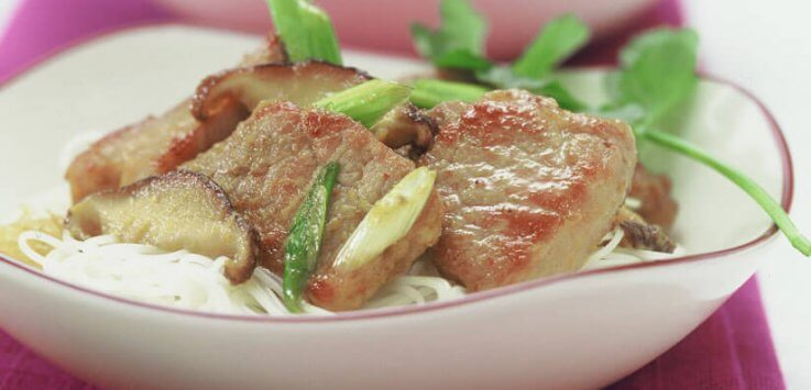 Varkensvlees op zijn Thais