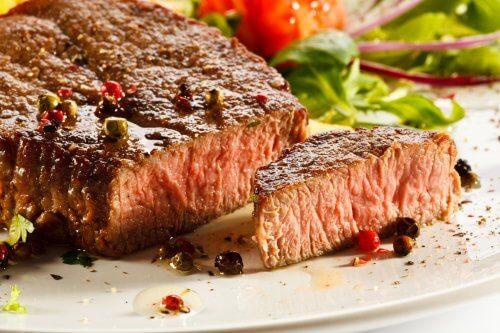 Biefstuk op bord