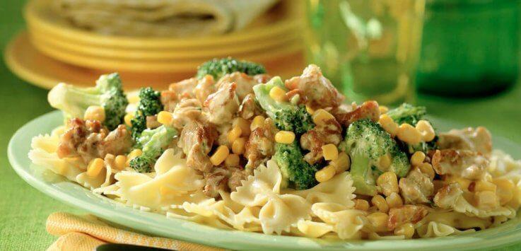 maisbroccolisaus met nasivlees